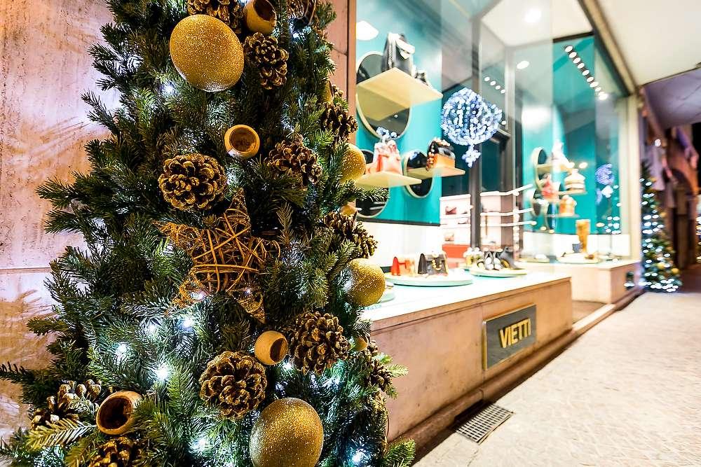 Addobbi Natalizi Naturali.Decorazioni Natalizie Negozi Installazioni Natale Commercianti Zenone
